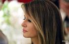 Меланья Трамп вновь не взяла супруга за руку