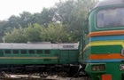 На Хмельниччині локомотив зіткнувся з поїздом