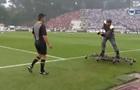 Как в кино: в Португалии перед началом матча мяч судье доставили на дроне