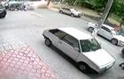 В Сеть выложили видео момента взрыва джипа в Киеве