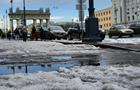 В Санкт-Петербурге выпавший град образовал сугробы
