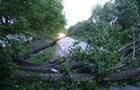 Негода пошкодила в Україні 70 будинків