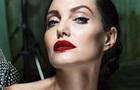 Анджелина Джоли рассказала о параличе мышц лица