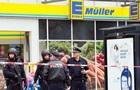 В Гамбурге мужчина с ножом напал на посетителей магазина: есть жертвы