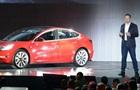 Tesla розпочала продаж бюджетного електромобіля Model 3