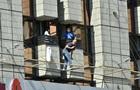 Чоловік на Хрещатику передумав стрибати з готелю
