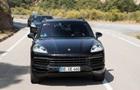 В Сеть  слили  фото обновленного Porsche Cayenne