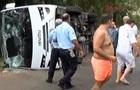 В Анталье разбился автобус с туристами: 20 пострадавших