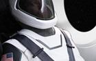 Глава SpaceX показал первый скафандр компании