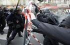 У Парижі спалахнули масові протести профспілок