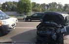В Киеве возле Гидропарка разбились три машины, есть пострадавшие