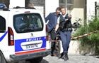У Парижі п яний росіянин кидався на людей з бензопилою