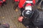 Появилось видео избиения полицейского под Радой