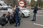 В Киеве на пешеходном переходе сбили женщину
