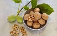 Любители орехов больше выпивают, но реже умирают от болезней - исследование