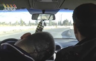 Сирия: снайпер боевиков застрелил водителя машины съемочной группы во время движения