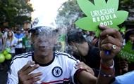 Парламент Уругвая узаконил торговлю марихуаной
