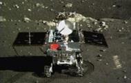 Китайский луноход Юйту передал на Землю первые цветные снимки