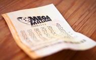 В США уборщик нашел на улице лотерейный билет и выиграл $1 млн