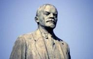 В Одесской области неизвестные ночью разломали памятник Ленину