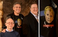 Джордж Клуни пришел на фотосессию в футболке с Тимошенко