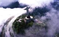 Молния повредила палец знаменитой статуи Христа-Искупителя в Бразилии