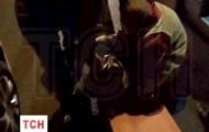 Очевидцы сняли на видео избиение погибшего журналиста Вестей