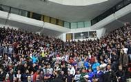 Российские хоккейные фанаты поддержали Майдан возгласами Слава Украине