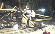 Башенный кран рухнул на стройке в Киеве, погибла женщина