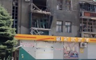 В Луганске снаряд попал в жилой дом