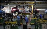 Корреспондент: Переход в экономрежим. Рынок авто в Украине сократился вдвое