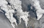 Извержение вулкана в Японии: пострадали восемь человек