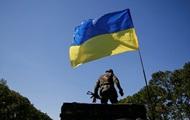 Силовики заявляют, что отбили танковые атаки на аэропорт Донецка