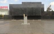 В Мариуполе неизвестные сломали крест на площади Ленина