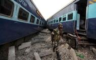 Жертвами столкновения поездов в Индии стали 12 человек