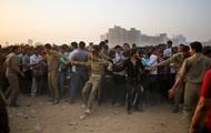 В давке на празднике в Индии погибли десятки человек