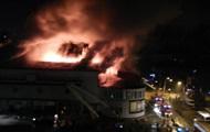 В Киеве горит кинотеатр Жовтень