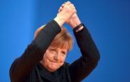 Меркель ответила на призыв немецкой элиты наладить отношения с Россией