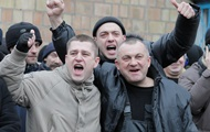 Мобілізація у Києві: біля військкоматів покропили призовників