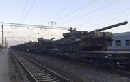 Российской военной техники у границы стало втрое больше - Reuters