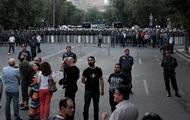 У Єревані збираються мітингувальники. Поліція чекає намети