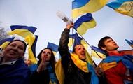 Меньше трети украинцев считают, что мы воюем с РФ
