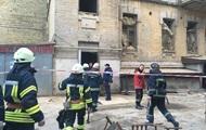 У центрі Києві завалилася будівля, під заваллям є люди