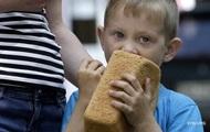 Украинцы тратят больше на питание, но едят меньше