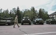 Порошенко: На военном параде не будет техники из АТО