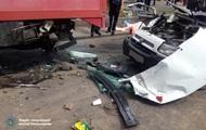 В Ровно водитель микроавтобуса врезался в грузовик