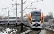 Укрзализныця отменила ряд скоростных поездов на Новый год