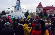 В Одесской области слепили рекордного снеговика