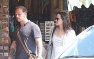 СМИ сняли Анджелину Джоли с  новым мужчиной