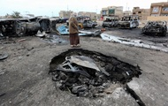 A suicide bomber in Baghdad blew up, there were casualties.